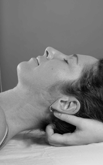 AYURVEDIC FACE-LIFT MASSAGE